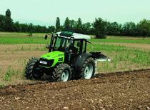 [Deutz-Fahr] trattore Agroplus 95 New al lavoro con aratro
