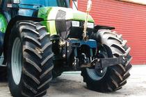 [Deutz-Fahr] particolare del trattore Agrotron 200