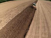 Deutz-Fahr Agrofarm TTV - Ploughing