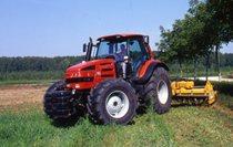 [Same] Trattore modello Rubin 200 prove in campo con attrezzatura agricola