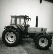 [Deutz-Fahr] trattore Agrostar 6.11 in studio fotografico