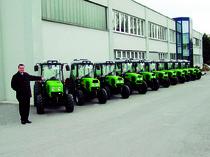 Stabilimento Same Deutz- Fahr Polska // Stabilimento Same Deutz - Fahr Polonia - Schiera di trattori Agroplus