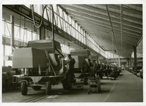 [Fahr] Interno della fabbrica di Gottmadingen, linea assemblaggio mietitrebbie