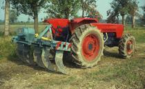 [SAME] trattore Ariete T e trattore Drago al lavoro con attrezzatura combinata