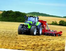 [Deutz-Fahr] trattore serie Agrotron al lavoro con erpice e seminatrice