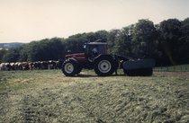 [SAME] trattore Titan 160 e Antares 130 al lavoro durante lavori di fienagione