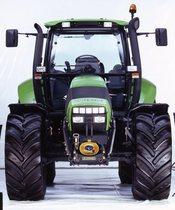 [Deutz-Fahr] trattore Agrotron TTV 1160 in studio fotografico