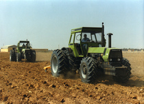 [Deutz-Fahr] trattori serie DX in campo