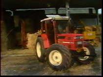 7: I lavori nelle aziende e negli allevamenti - I trattori cingolati: manuale del venditore