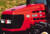 Particolari del cofano del trattore SAME Silver 90
