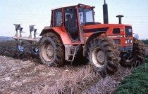 [SAME] trattori Vigneron 75, Explorer 75 C al lavoro con fresa, Laser 110-150 al lavoro con aratro