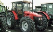 Trattori Explorer II 90 Top, Argon 50, Champion 150, Grand Prix 774-80 e Agrocompact V 60 presso lo stabilimento di Treviglio