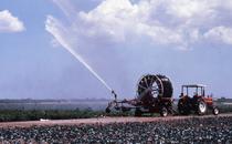 [SAME] trattore Aster 70 al lavoro con pompa per l'irrigazione