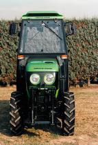 Visione frontale del trattore Deutz-Fahr AgroCompact V 60