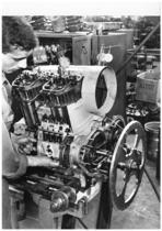 Stabilimento Same - Particolare della linea di montaggio motori