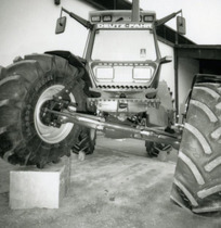 [Deutz-Fahr] trattori Agrostar 6.31 e Agrostar 4.71 in studio fotografico
