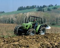 [Deutz-Fahr] trattore Agrolux 97 con aratro