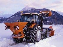 [Deutz-Fahr] trattore Agrotron 128 al lavoro con attrezzatura per spalare la neve