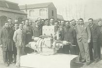 Prototipo del primo motore diesel ItalMotor (Este). A destra, Francesco Cassani.