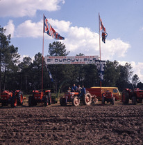 [SAME] trattori modello Drago, prove in campo con aratro, ripuntatore e rimorchio