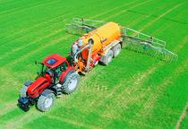[SAME] trattore Rubin 200 al lavoro con irrigatore pneumatico